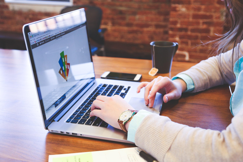 憧れの職業!Webプログラマーの年収は実際どのくらいか解説