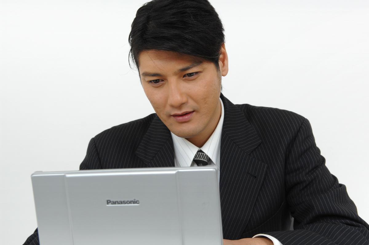 【初心者向け】プログラミングを勉強する通信講座3選!