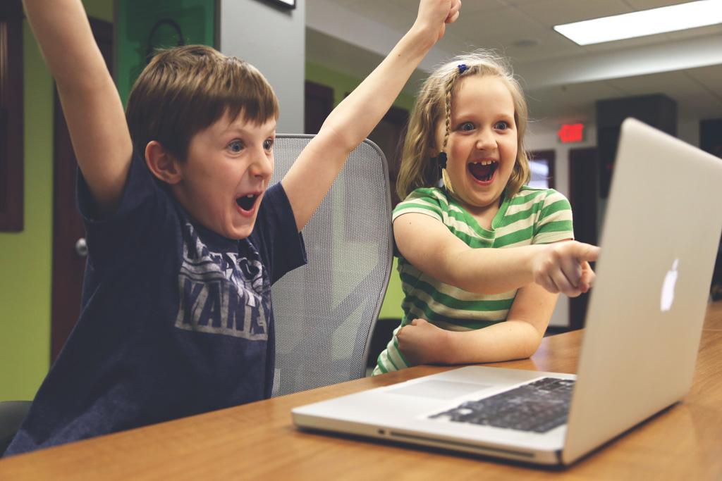 【小学校で必修化】子供にプログラミングの楽しさを伝えるには?