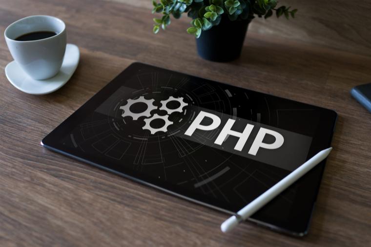 初心者向け】PHPとは何?HTMLとどう違うの?徹底解説 | WEBCAMP NAVI