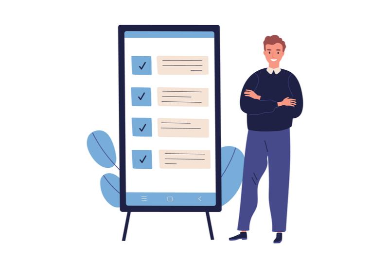Webデザインをする際の注意点5つを教える男性